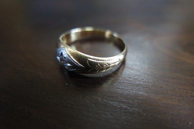 ダイヤモンド 腕に彫り 陽刻K18&P.m 甲丸 リング #12 昭和ジュエリー