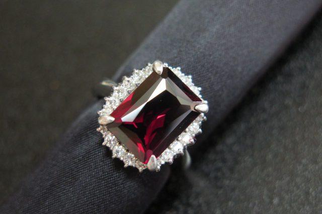 ガーネット8.17 ダイヤモンド0.68 Pt900 リング #16 中古