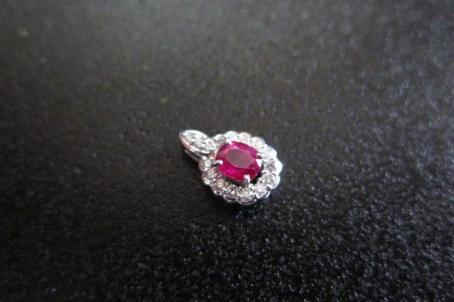 ルビー0.59ct ダイヤモンド0.30ct Pt900 ペンダント 中古 /9128